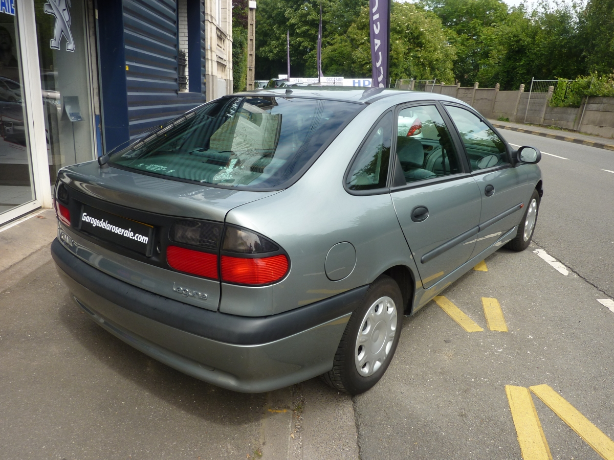 Occasion renault laguna aliz 1 8 essence for Garage reims voiture occasion