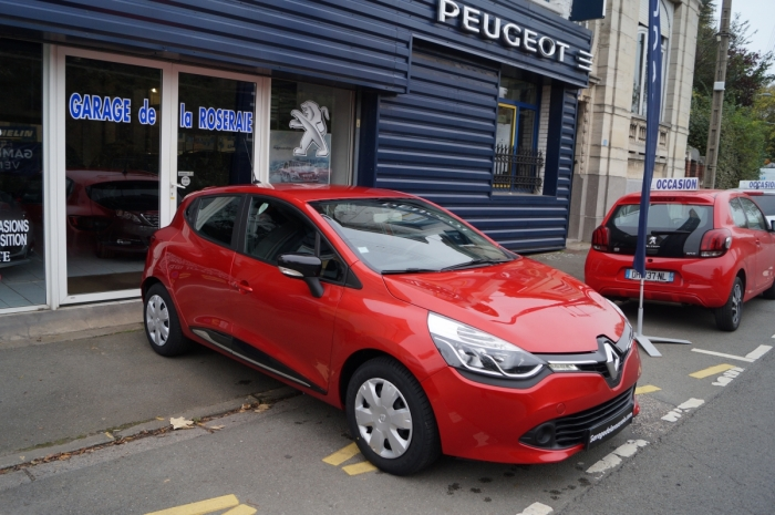 Clio occasion garage renault sport car garage renault clio for Garage peugeot la rochelle